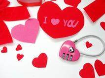 Clé d'amour de jour du ` s de valentine de carte de voeux au concept de coeur Photos libres de droits