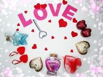 Clé d'amour de jour du ` s de valentine de carte de voeux au concept de coeur Image libre de droits