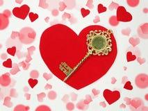 Clé d'amour de jour du ` s de valentine de carte de voeux au concept de coeur Photo stock