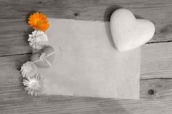 Clé de couleur de coeur de papier blanc Image stock