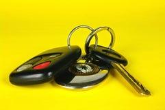 Clé de véhicule, à télécommande et keychain Photographie stock libre de droits