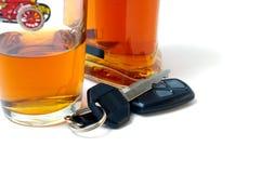 Clé de véhicule et de cognac. Image stock