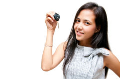 Clé de véhicule sur la main de femme Photo libre de droits