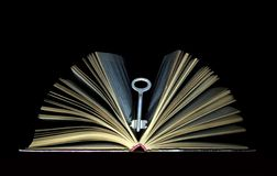 Clé et livres Image stock