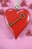 Clé heureuse de jour de valentines à mon concept de coeur Image libre de droits