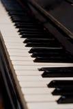 Clés d'un vieux piano Images stock