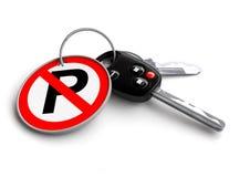 Clés de voiture sans le panneau routier de stationnement sur le porte-clés Images stock