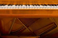 Clés et intérieur de piano image stock