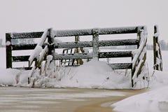 Clôturez complètement de la neige Images stock