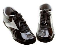 clôturez le blanc haut élégant d'isolement de chaussures courantes Images stock