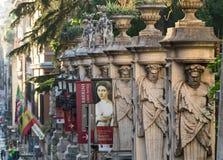 Clôture du ` Arte Antica de Nazionale d de puits de Palazzo Barberini avec des colonnes avec les atlantes d'image, Rome Image libre de droits