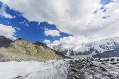 Clacier vicino alla montagna di Belukha, natura di Altai Fotografie Stock