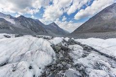 Clacier vicino alla montagna di Belukha, natura di Altai Immagini Stock Libere da Diritti