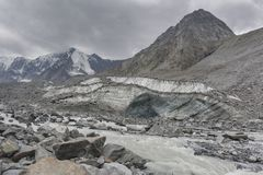 Clacier vicino alla montagna di Belukha, paesaggio di Altai Immagine Stock