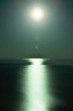 Clair de lune par la mer Photographie stock