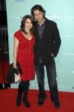 Claire Benoit y acantilado Eidelman en el estreno mundial del ?él no es apenas ése en usted?. Teatro chino de Grauman, Hollywood,  Foto de archivo