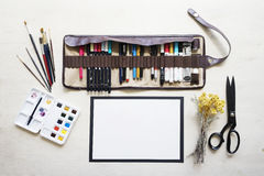 Clallighraphy-Meister schreibt Text Lizenzfreie Stockfotos