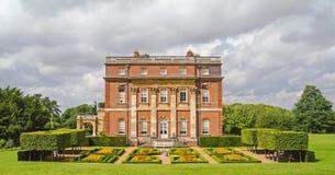 Clandon parkerar det värdiga hemmet, Surrey, England Arkivfoton