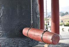 Clapet en bois sur Bell coréenne de l'amitié Photo libre de droits