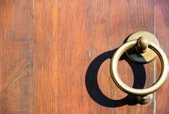 Clappers na drewnianym drzwi Zdjęcie Stock