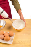 Clara de ovos batendo foto de stock royalty free