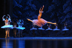 Clara kwam aan een wereld van ijs en de sneeuw-eerste handeling van het vierde Land van de gebiedssneeuw - de Balletnotekraker Royalty-vrije Stock Afbeelding
