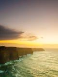 clare峭壁co爱尔兰moher日落 克莱尔爱尔兰欧洲 免版税库存图片