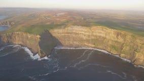 clare νομός Ιρλανδία απότομων β&rh μέρος του εθνικού πάρκου geotourism, πάρκο geo απόθεμα βίντεο