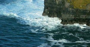 clare νομός Ιρλανδία απότομων β&rh απόθεμα βίντεο