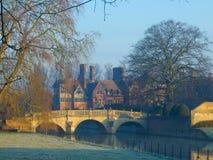 Clare-Hochschule auf Fluss-Nocken, Cambridge Stockfotografie