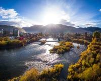 Clark Fork River Showing Fall-Kleuren royalty-vrije stock afbeelding