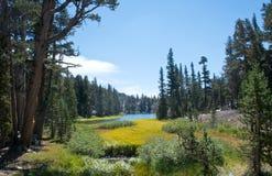 Clark Lakes op John Muir Trail stock afbeelding