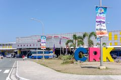 CLARK, PHILIPPINEN - Abfahrt-Gebäude Mrz 25,2018 bei Clark International Airport stockfotografie