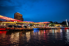 Clarke Quay singapore natt arkivfoton