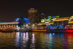 Clarke Quay Singapur przy nocą Obraz Royalty Free