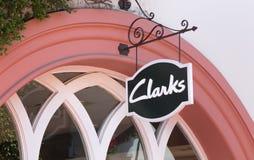 Clarks零售店外部和标志 库存照片