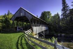 Clarksville täckte bron i New Hampshire Royaltyfria Foton