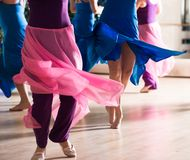 Clase de danza para las mujeres Imagen de archivo libre de regalías