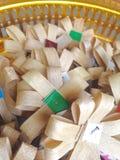 Clase de flor de madera que se colocará en el sitio de la cremación Imagen de archivo libre de regalías