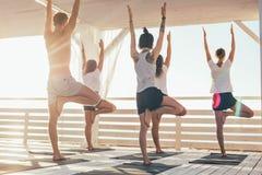Clase de la yoga Fotos de archivo