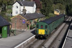 Class 205 Diesel train at Medstead & Fourmarks Station . Mid Han royalty free stock photos