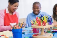 Classe d'art d'école primaire Images stock