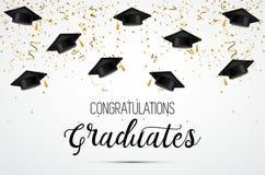 Classe d'obtention du diplôme de 2018 Diplômés de félicitations Chapeaux, confettis et ballons scolaires célébration Photos stock