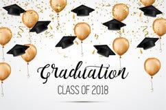 Classe da graduação de 2018 Graduados das felicitações Chapéus acadêmicos, confetes e balões celebration Foto de Stock Royalty Free