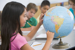 Classe de géographie d'école primaire Image stock