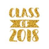 Classe de 2018 Logotipo tirado mão da graduação da rotulação da escova Molde para o projeto da graduação, partido ouro Imagens de Stock