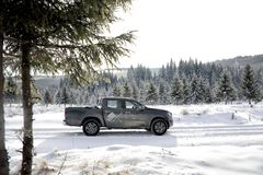 Classe de Mercedes-Benz X pendant l'hiver photographie stock libre de droits