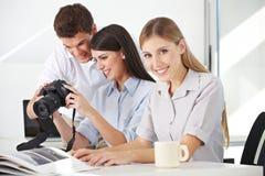 Classe de photo avec le photographe Image stock