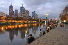 Classe de photographie au fleuve de Melbourne Yarra Images stock