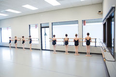 Classe di ballo di balletto fotografia stock